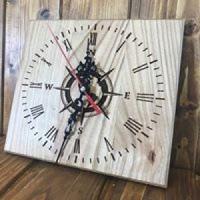 Лазерно гравиран часовник Компас